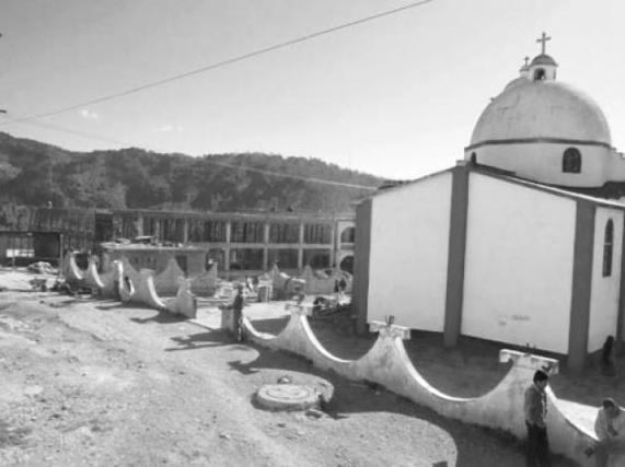 Construcción del auditorio de Cochoapa. Foto: Julio García Godínez